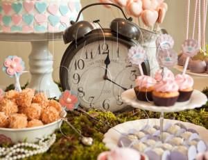 Mesa de doces Alice no País das Maravilhas